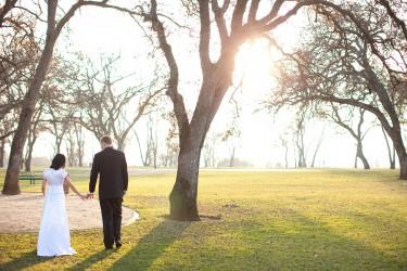 modest wedding gown, photo by Doug Miranda for weddinglds.com