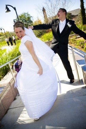 modest wedding dresses, LDS bride, LDS groom, photo by Amelia Lyon Photography for weddinglds.com