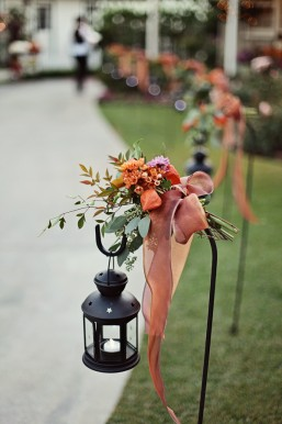 LDS brides, save money on wedding flowers, photo by Amber Katrina for WeddingLDS.com