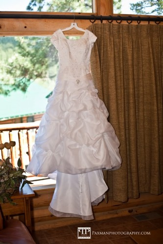 How an LDS bride can Steam a Wedding Dress