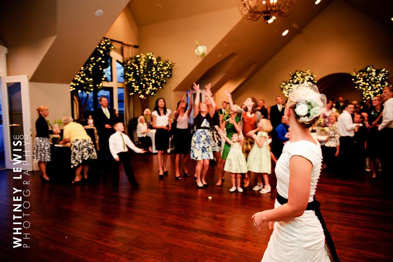 LDS Bride tosses her bouquet