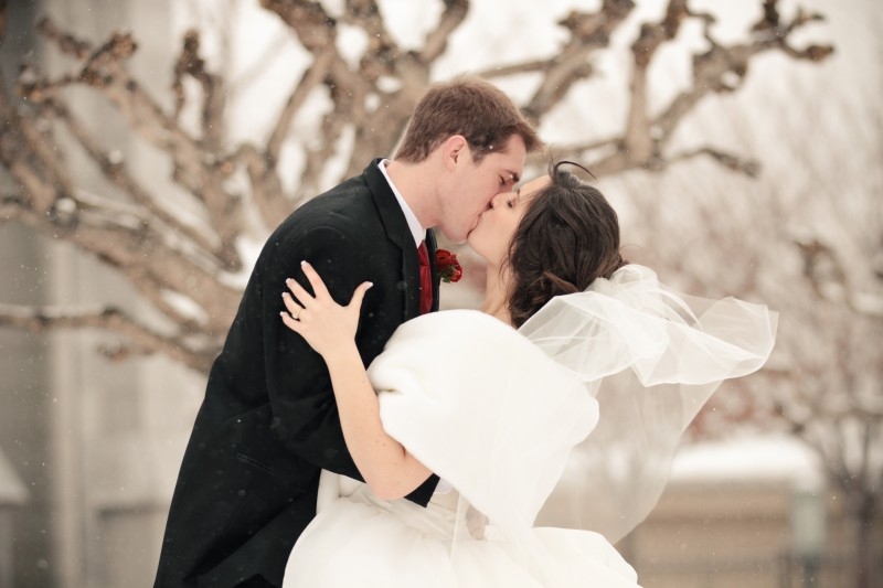 LDS Bride and Groom Kiss, Featured Real LDS Wedding