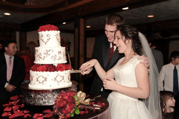 Featured Real LDS Wedding Couple, cutting the cake