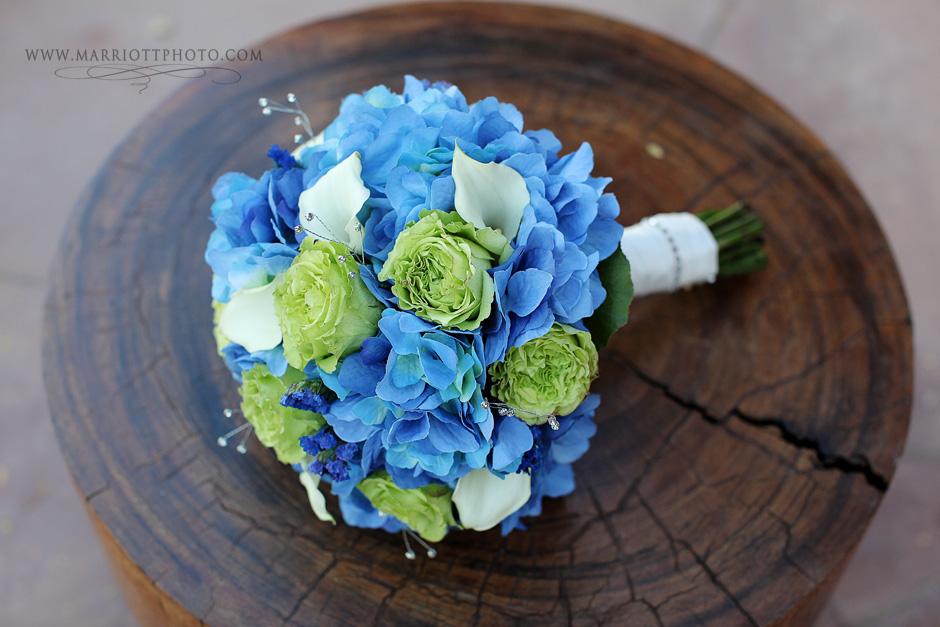 wedding flowers, bride's bouquet