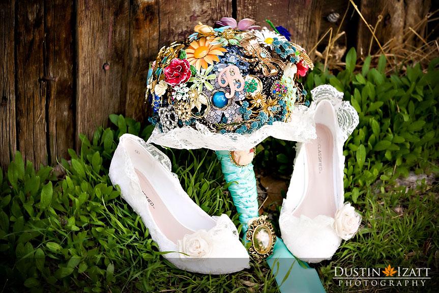 LDS bride's shoes an bouquet