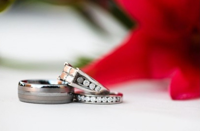 LDS wedding ring, channel setting