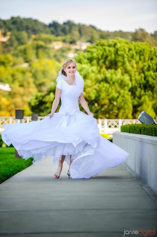 How To Choose An Lds Wedding Dress Lds Wedding Planner