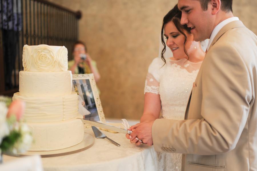 LDS wedding reception, LDS Wedding Cake, Cream Wedding Cake, LDS Cake Cutting Color for LDS Weddings, LDS Wedding, WeddingLDS.com